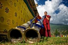 Mönche mit Trompeten in Wangdue