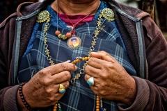 Hände einer Frau in Phobjikha, Bhutan