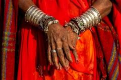 Frau in Gujarat, Indien