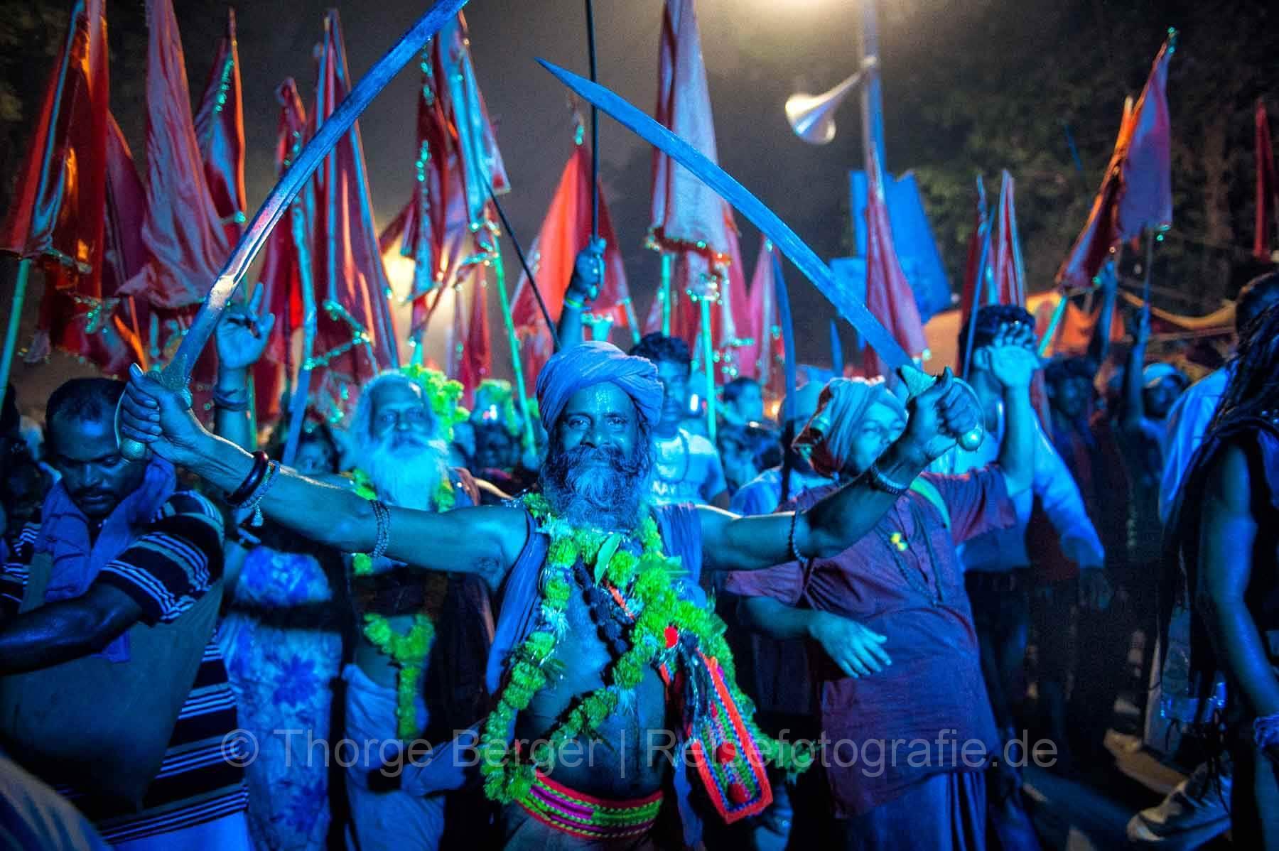Parade von Sadhus - Kumbh Mela in Ujjain 2016