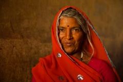 Woman in red sari - Jaipur