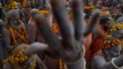Reisefotografie - Bildbesprechung: Sadhus auf der Kumbh Mela © Harald Mundt