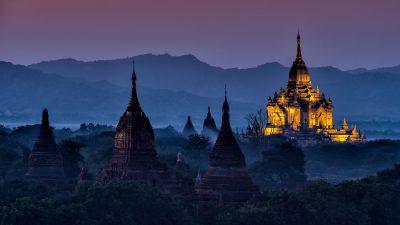 Fotoreise nach Myanmar - Tempel bei Sonnenuntergang in Bagan