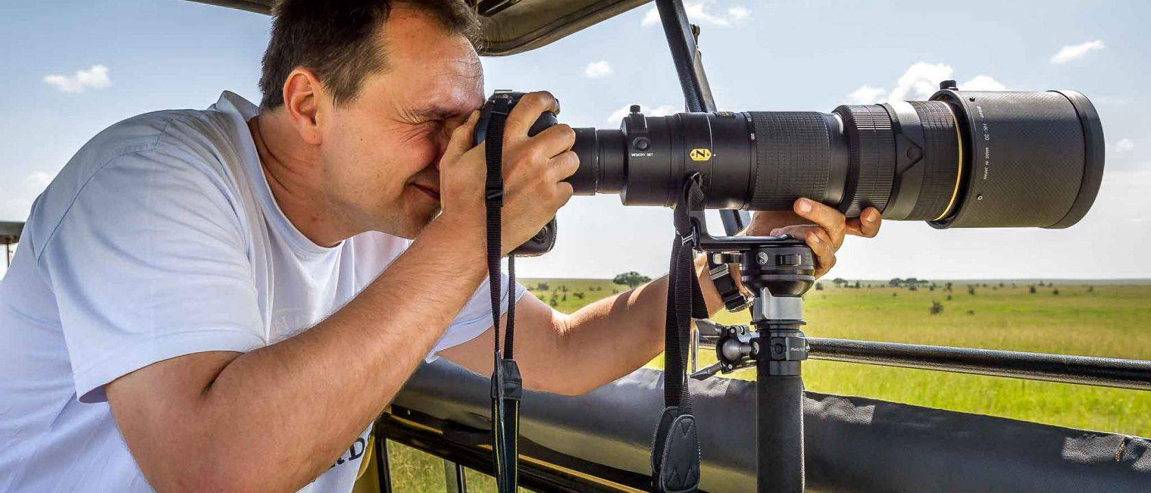 Größe spielt doch eine Rolle: Thorge Berger in Tanzania mit 200-400mm Objektiv