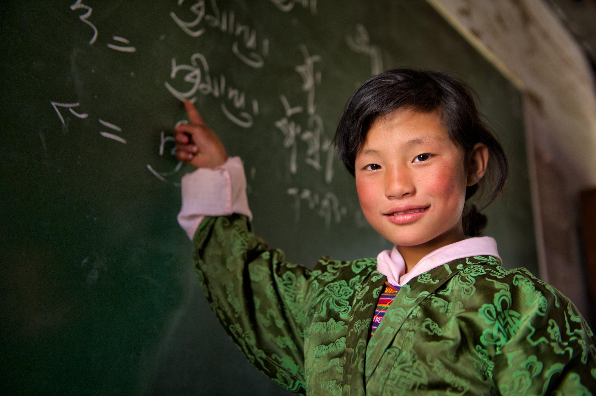 Reisefotografie - Schulmädchen in Bhutan